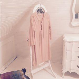 Dresses & Skirts - NWOT DRESS